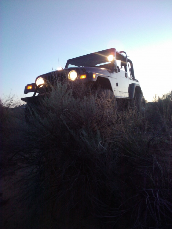Click image for larger version  Name:jeep3.jpg Views:32 Size:101.7 KB ID:18727