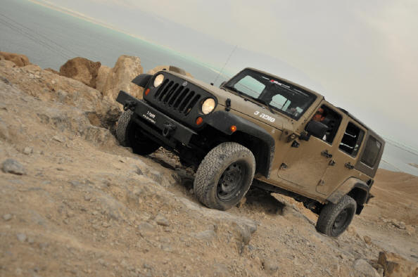 Click image for larger version  Name:jeep_j8_test_drive_%20054_small.jpg Views:478 Size:39.5 KB ID:158805