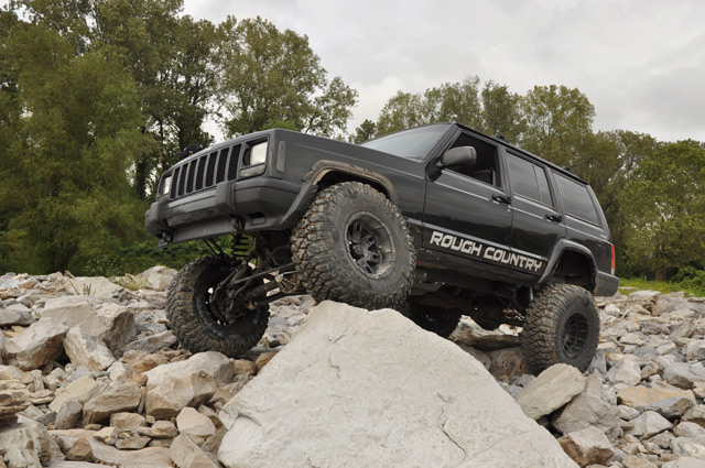 Click image for larger version  Name:jeep_perf672-trucka.jpg Views:70 Size:116.4 KB ID:274118