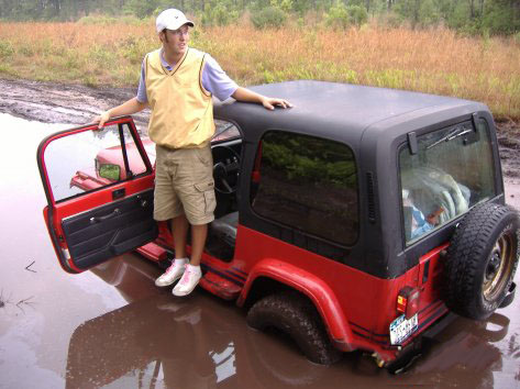 Click image for larger version  Name:jeep_stuck_mud.jpg Views:226 Size:87.7 KB ID:37722