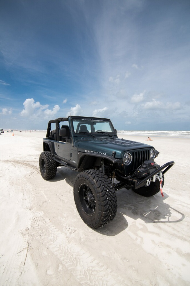 Click image for larger version  Name:JeepBeach1(1).jpg Views:221 Size:152.0 KB ID:3157097