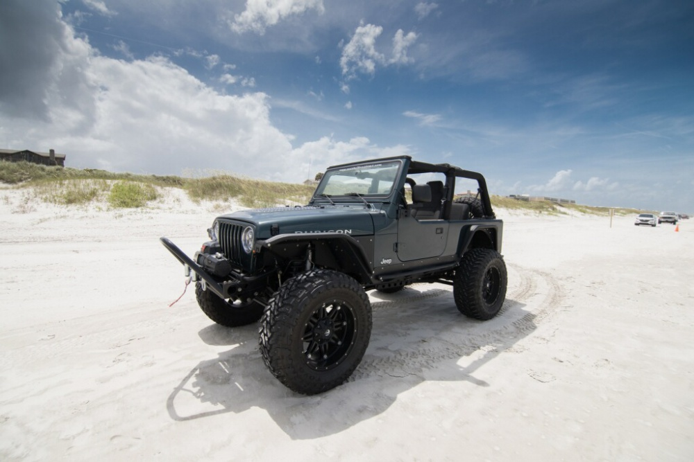 Click image for larger version  Name:JeepBeach4(1).jpg Views:219 Size:157.4 KB ID:3157105