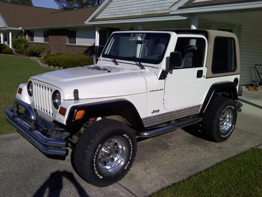 Click image for larger version  Name:Jeepfront.JPG Views:42 Size:104.1 KB ID:17972