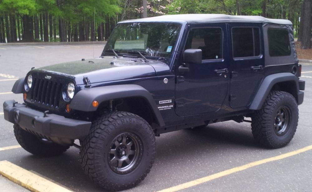Click image for larger version  Name:jeepfrontdriverside postlift preaddons.jpg Views:694 Size:187.1 KB ID:279817
