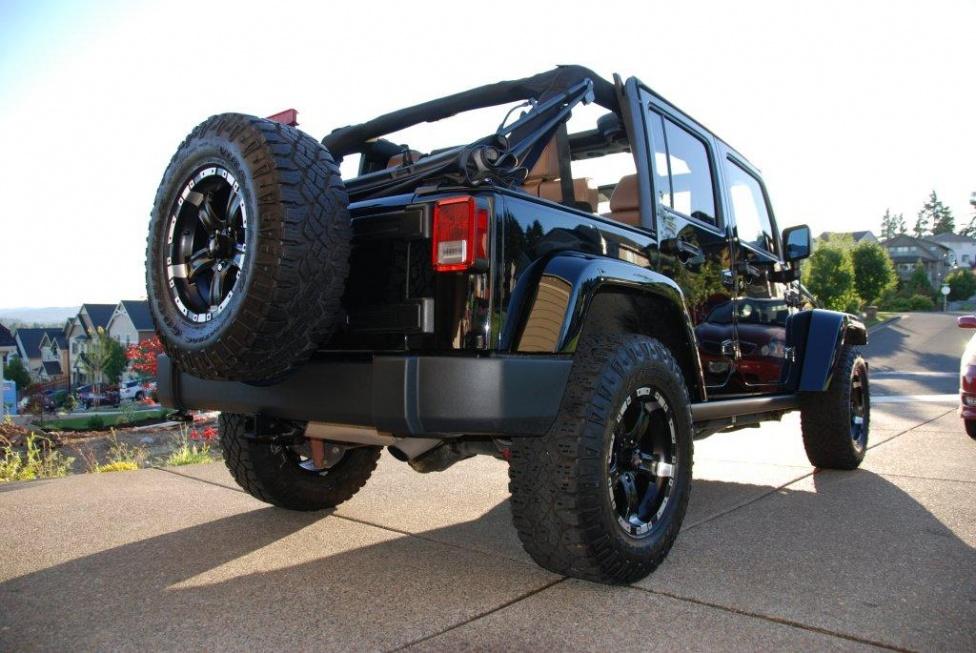 Click image for larger version  Name:JeepRearPassenger.jpg Views:120 Size:222.1 KB ID:150402