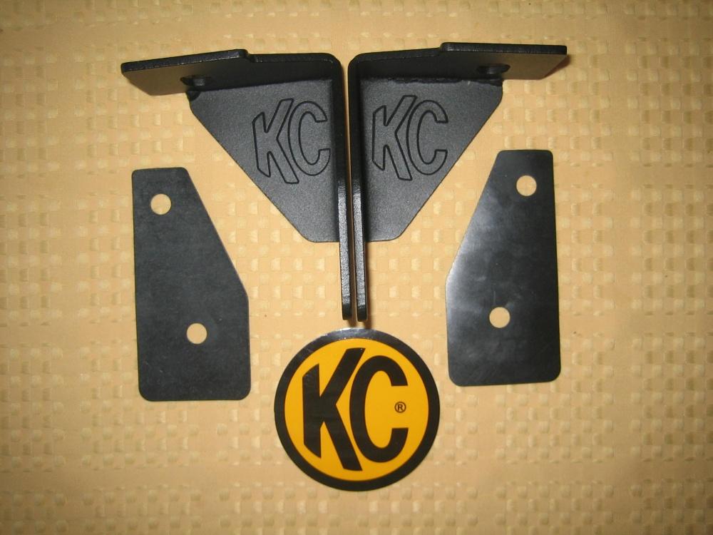 Click image for larger version  Name:KC HiLites JK A pillar brackets.jpg Views:3393 Size:214.9 KB ID:625049