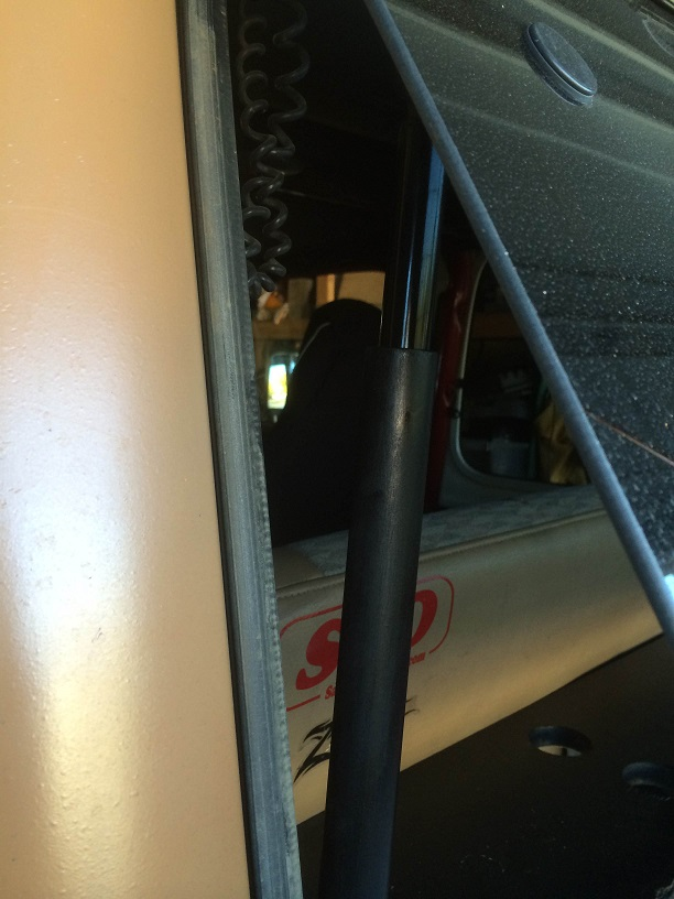 Click image for larger version  Name:liftgate2.jpg Views:131 Size:123.4 KB ID:1620706