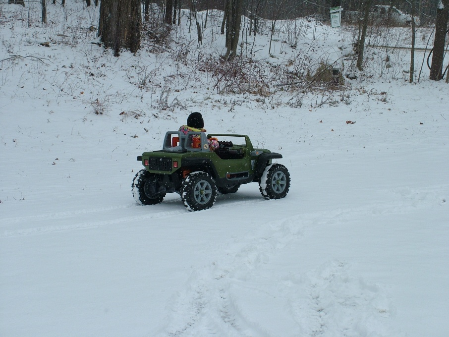 Click image for larger version  Name:Maddie's First Jeep 003.jpg Views:60 Size:221.8 KB ID:14104