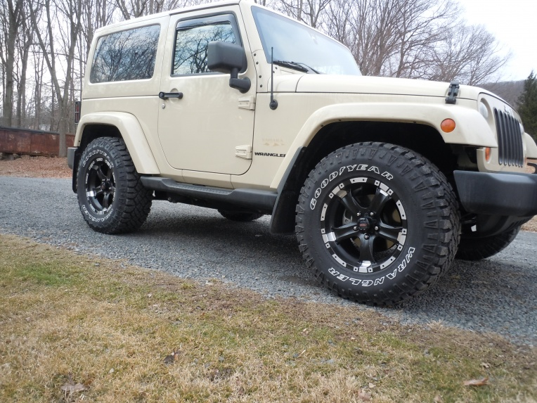 Click image for larger version  Name:New tires 001.jpg Views:121 Size:228.4 KB ID:102068