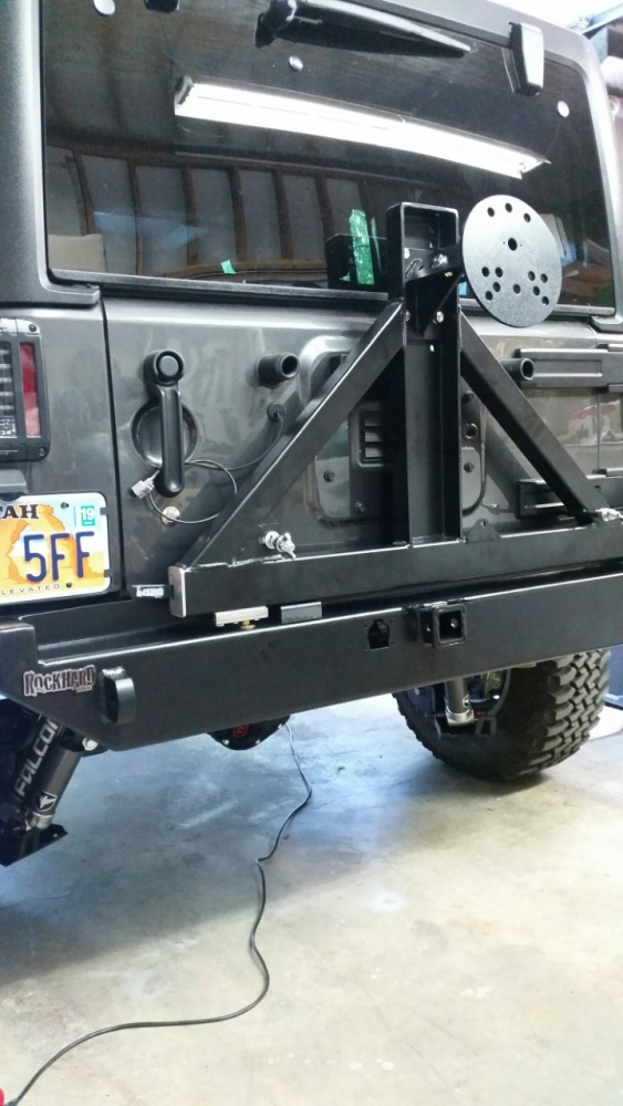 Click image for larger version  Name:rear bumper.jpg Views:59 Size:167.7 KB ID:4096087