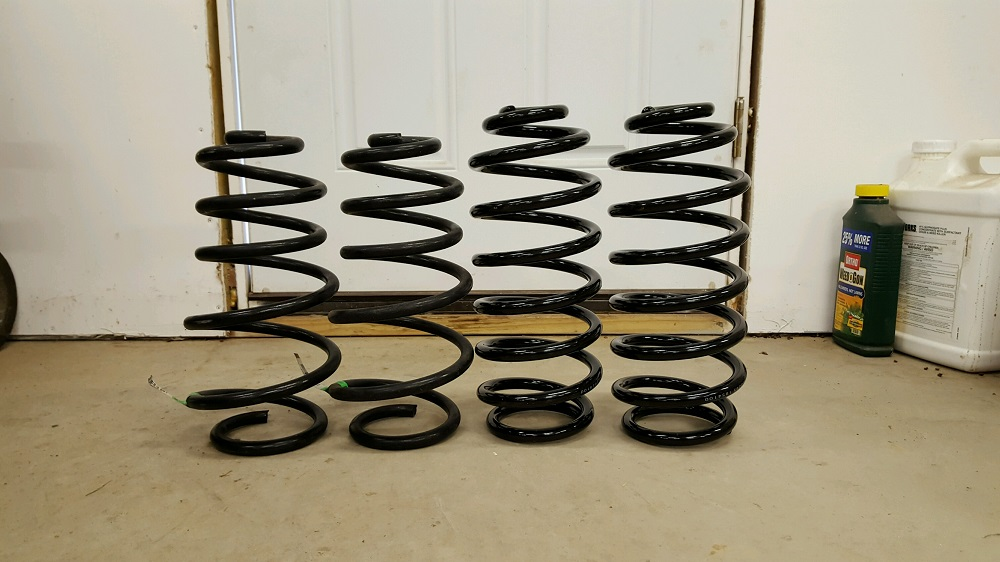 Click image for larger version  Name:rear springs.jpg Views:944 Size:151.8 KB ID:2867777