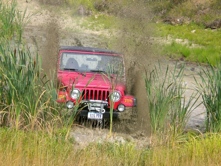 Click image for larger version  Name:red jeep in water.jpg Views:159 Size:234.7 KB ID:19176