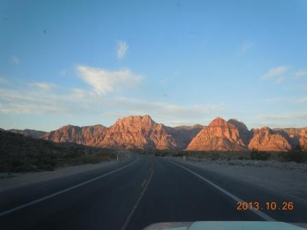 Click image for larger version  Name:Red Rock Morning.jpg Views:73 Size:23.2 KB ID:464657