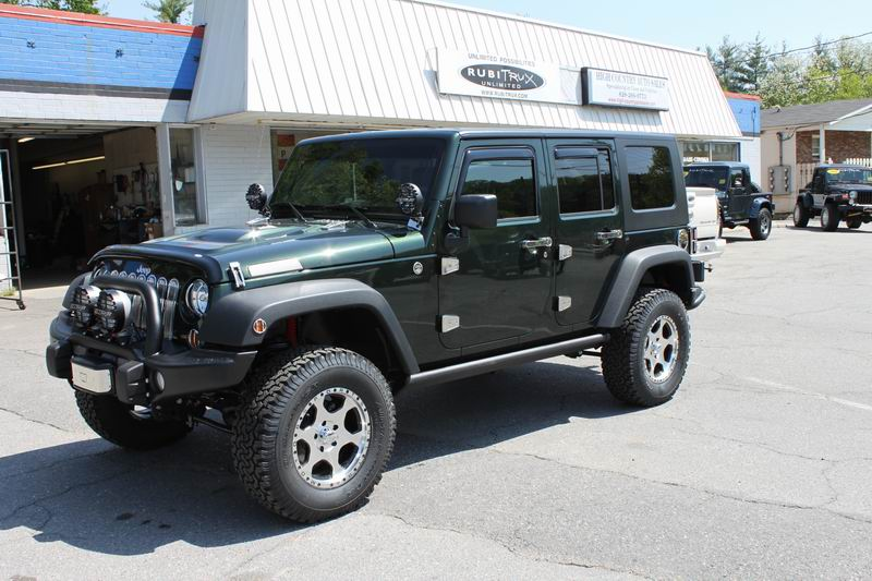 Click image for larger version  Name:Resize of New Jeep 4.JPG Views:63 Size:97.5 KB ID:23571