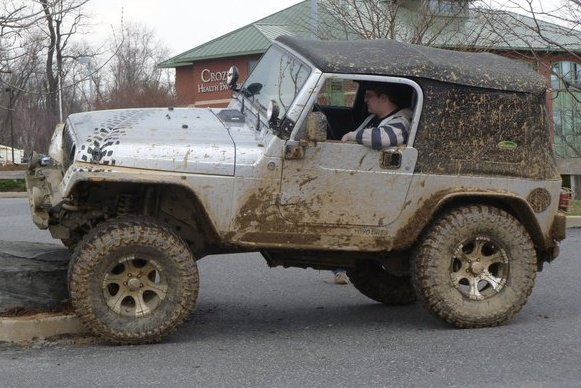 Click image for larger version  Name:RingoJeep.jpg Views:131 Size:66.6 KB ID:43883