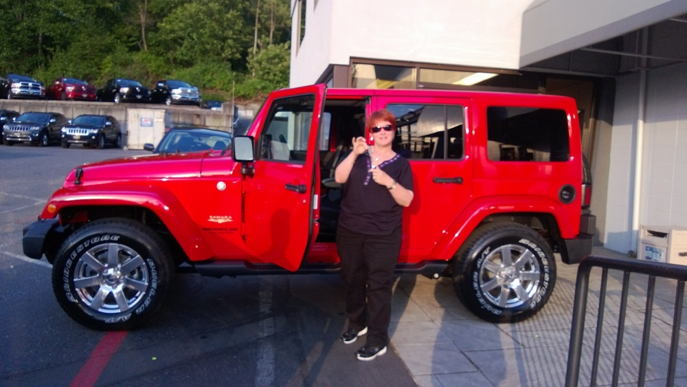 Click image for larger version  Name:sassy's new jeep named b.a.r.b..jpg Views:34 Size:187.2 KB ID:258472