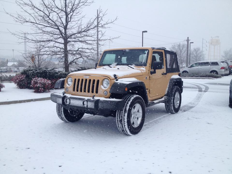 Click image for larger version  Name:snowjeep.jpg Views:175 Size:84.5 KB ID:1804977