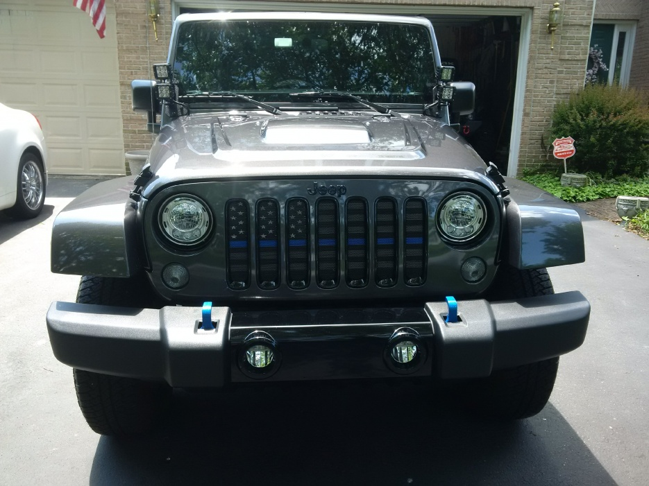 Click image for larger version  Name:Thin Blue Flag jeep.jpg Views:71 Size:222.6 KB ID:4077455