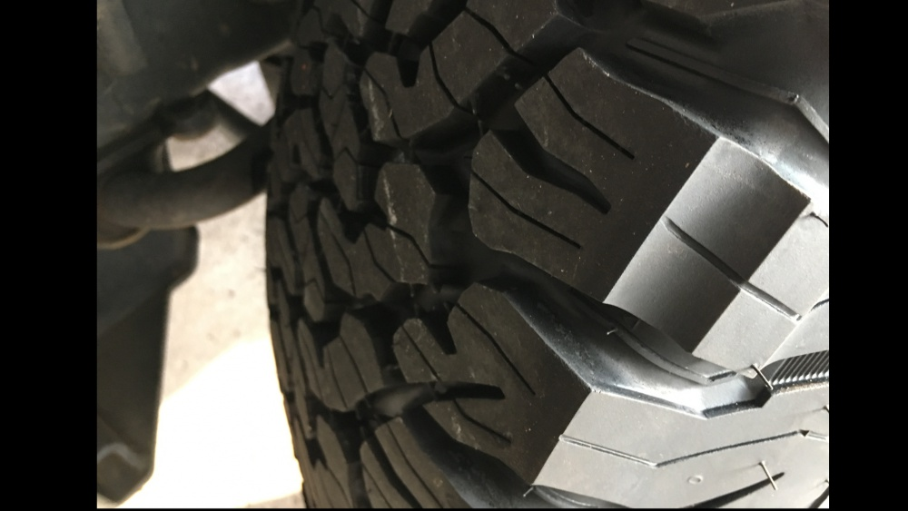 Click image for larger version  Name:tire2.jpg Views:20 Size:115.4 KB ID:3411050