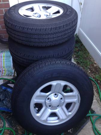 Click image for larger version  Name:Tires.jpg Views:42 Size:23.2 KB ID:257150