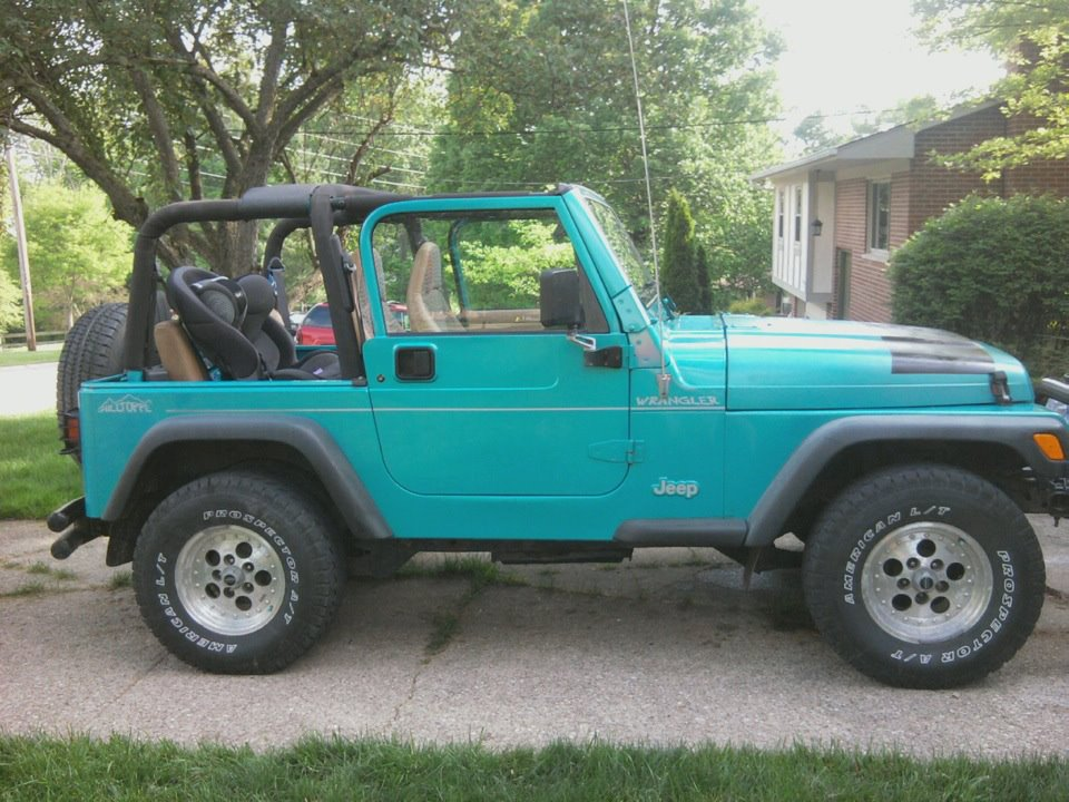 Click image for larger version  Name:toppless jeep.jpg Views:185 Size:146.5 KB ID:120346