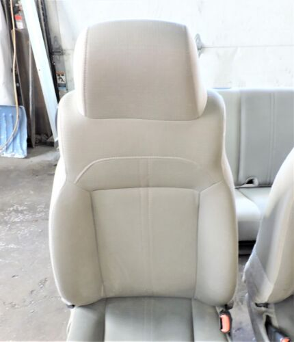 Click image for larger version  Name:vinyl seat1.jpg Views:22 Size:22.2 KB ID:4133517