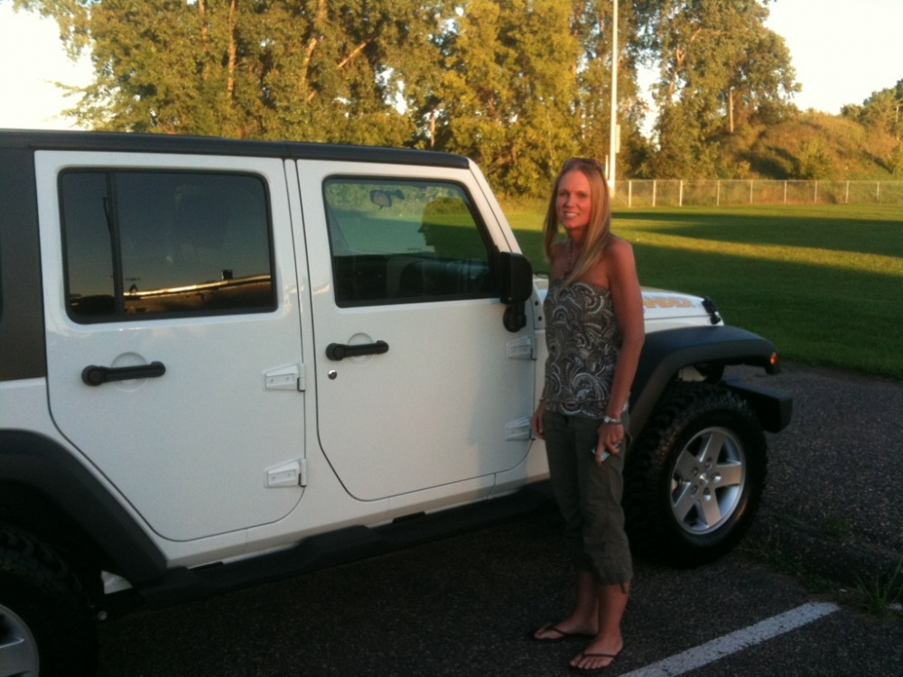 Click image for larger version  Name:Wifey_Jeep.jpg Views:82 Size:217.5 KB ID:23152