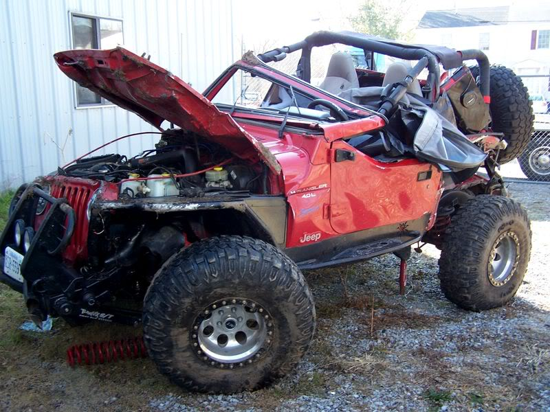 Click image for larger version  Name:WRECKED JEEP1 (2017_11_20 00_38_12 UTC).jpg Views:22 Size:108.7 KB ID:4156755