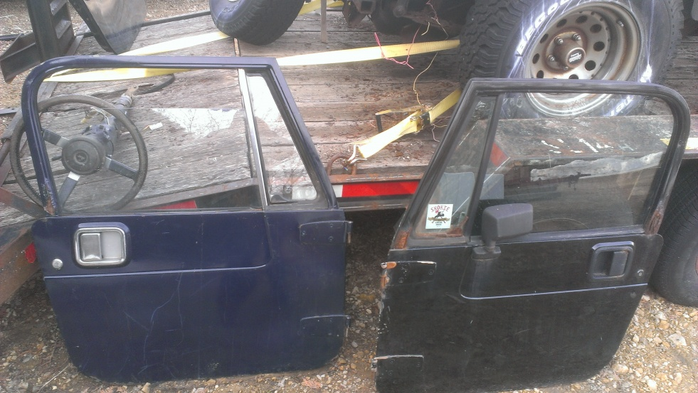 Click image for larger version  Name:yj full doors outer pair black and blue.jpg Views:96 Size:220.2 KB ID:279837