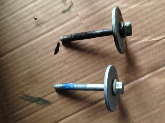2013 Jkur 1 Yr Old Rusted Body Bolt