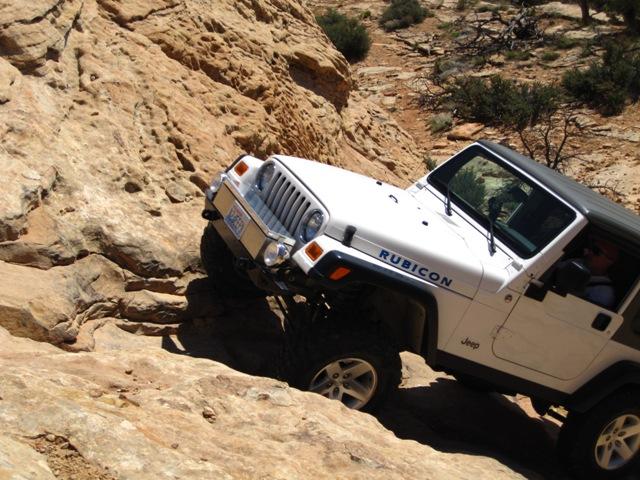 Arch Canyon Ut Apr2010 Hotel Rock 019